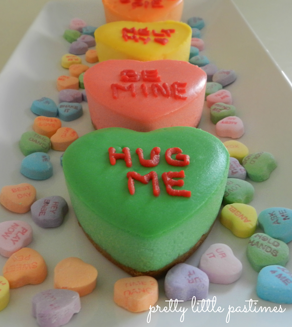 Mini Conversation Heart Cheesecakes I Pretty Little Pastimes