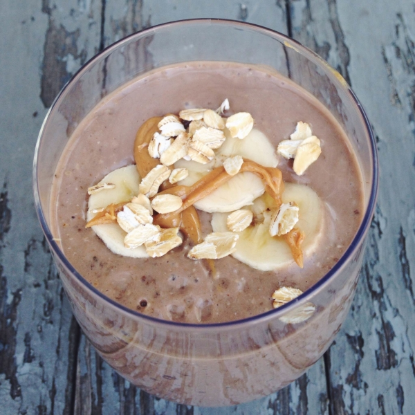 Peanut Butter Banana Chia Smoothie I Pretty Little Pastimes
