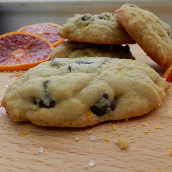 Blood Orange, Salted-Dark Chocolate Chip Cookies I Pretty Little Pastimes