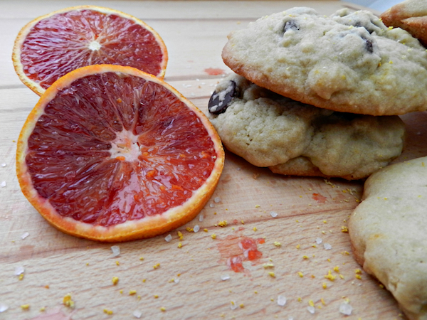 Blood Orange, Salted-Dark Chocolate Chip Cookies I Pretty Little Pastimes